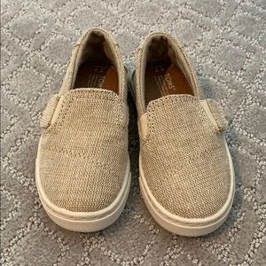 Toms never worn size 7